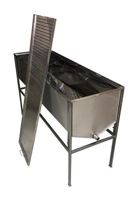 Tvaika vaska kausētava 36 rāmīšiem - atvākojamais galds 1,5m ar plakanu grozu (nerūsējošā tērauda 0,8mm)
